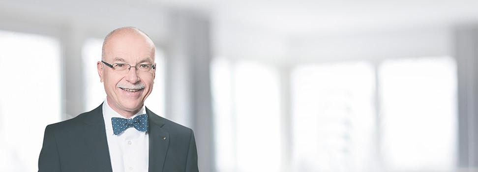 <h4>Rolf-Helmut Becker</h4><p>Fachanwalt für Verkehrsrecht<br/>FACHANWALT FÜR VERsicherungsrecht<br/></p><p></p>